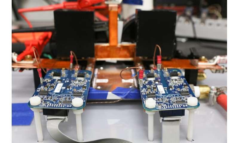 ORNL demonstrates 120-kilowatt wireless charging for vehicles