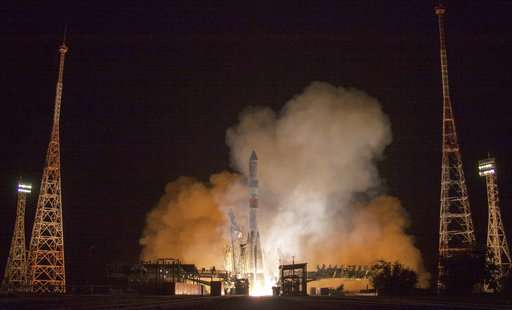 Russian cargo ship makes fastest-ever trip to space station (Update)