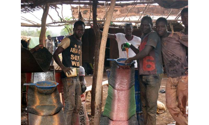 Small gold mines in Senegal create high mercury contamination