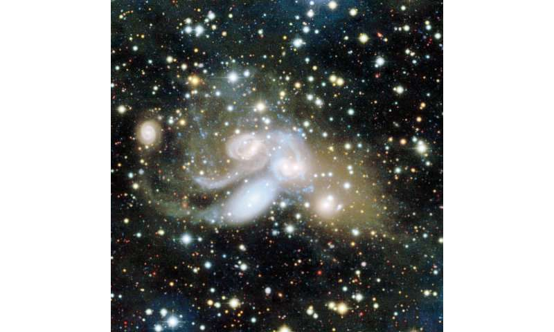 Widespread galactic cannibalism in Stephan's Quintet revealed by CFHT