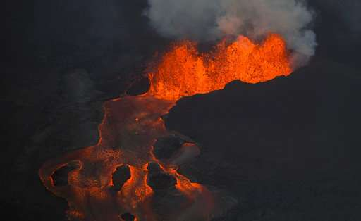 Hawaii volcano unleashes more small blasts, snaking lava