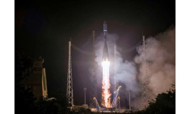 A Soyuz rocket launches a Eumetsat European meteorological satellite on November 6, 2018, from Kourou, French Guiana