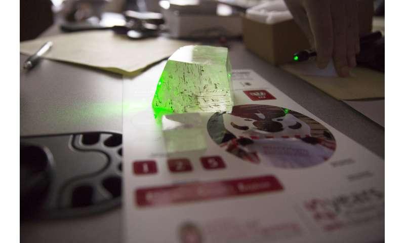 Best ever at splitting light, new material could improve LEDs, solar cells, optical sensors