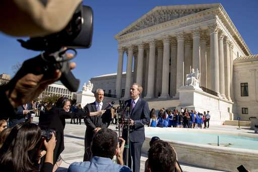 Justices seem ready to rule against Microsoft in email case