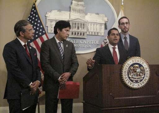 California senators reach agreement on net neutrality bill