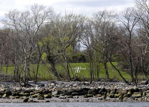 Erosion unearths bones on New York's island of the dead
