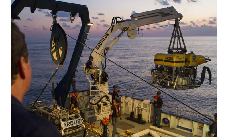 Underwater robots help NASA plan future deep-space missions