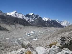 New study reveals how icy surface ponds on Himalayan glaciers influence water flow