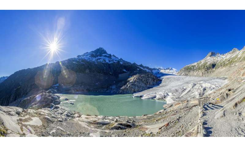 Scientists set out to explore microbial life in glacier streams