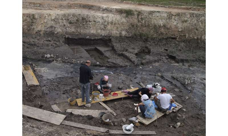 Dig site in Tuscany reveals Neanderthals used fire to make tools