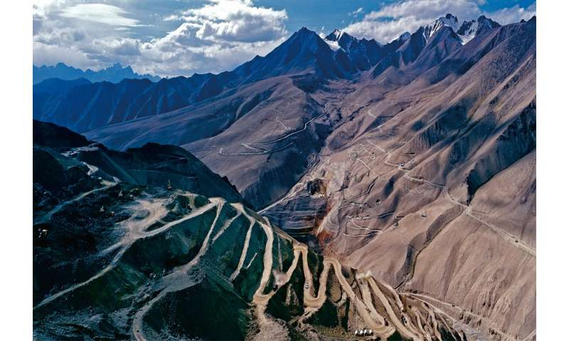 Scientists discover Earth's youngest banded iron formation in western China