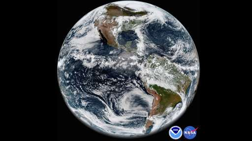Ailing weather satellite produces sharp snapshot of Earth