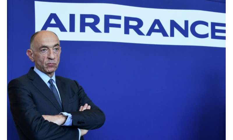 Air France-KLM chief Jean-Marc Janaillac has said he will quit if workers at Air France reject the company's latest wage offer