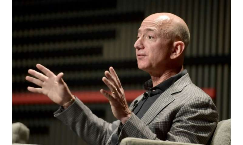 Amazon's Jeff Bezos says the technology giant is maintaining its bid for a major Pentagon cloud computing contract