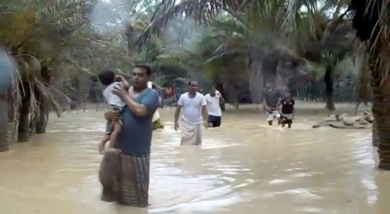 Image result for Cyclone-Mekunu-effect-lives-in-oman-Salalah