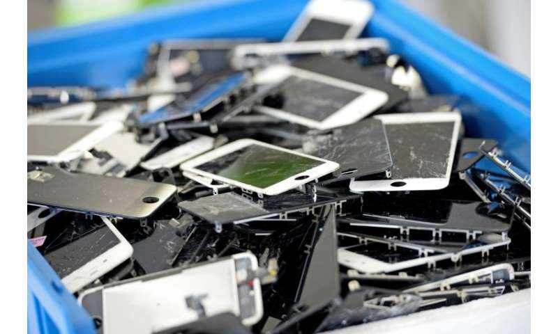 Hackers target smartphones to mine cryptocurrencies