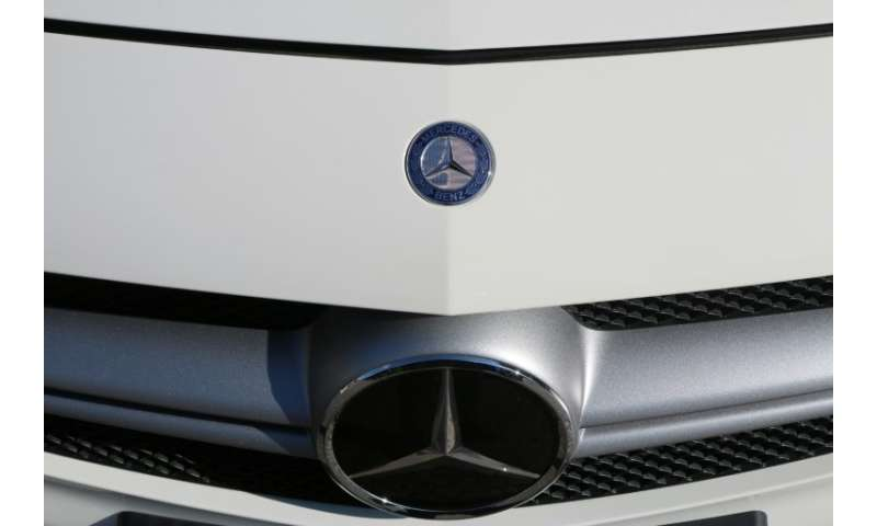 Daimler Cuts 2018 Profit Forecast On Diesel Woes