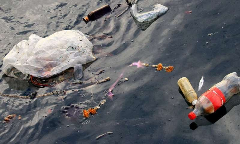 Deposit schemes reduce drink containers in the ocean by 40%