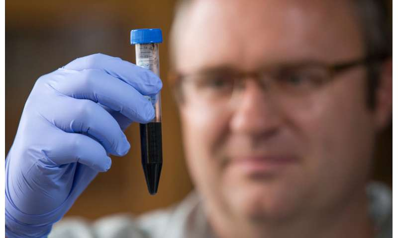 Engineers develop flexible, water-repellent graphene circuits for washable electronics