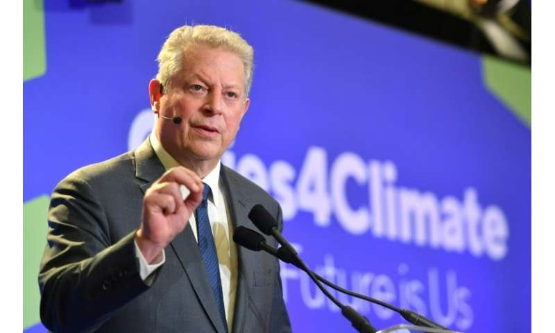 "Former US vice president Al Gore is calling for an end to treating the atmosphere ""like an open sewer"""