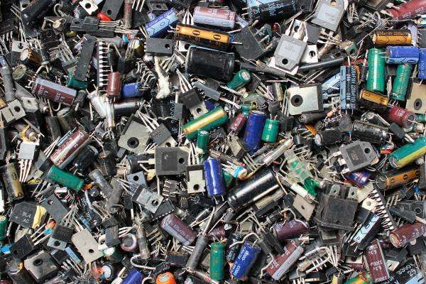 How E-waste encourages competitors to collaborate