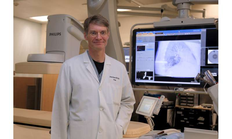 Hybrid operating room streamlines diagnosis, treatment of lung cancer