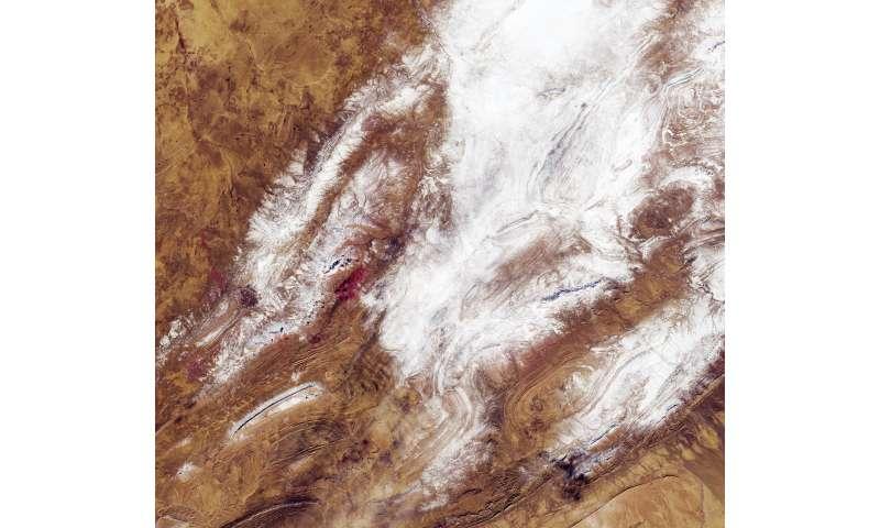 Image: Sahara snow