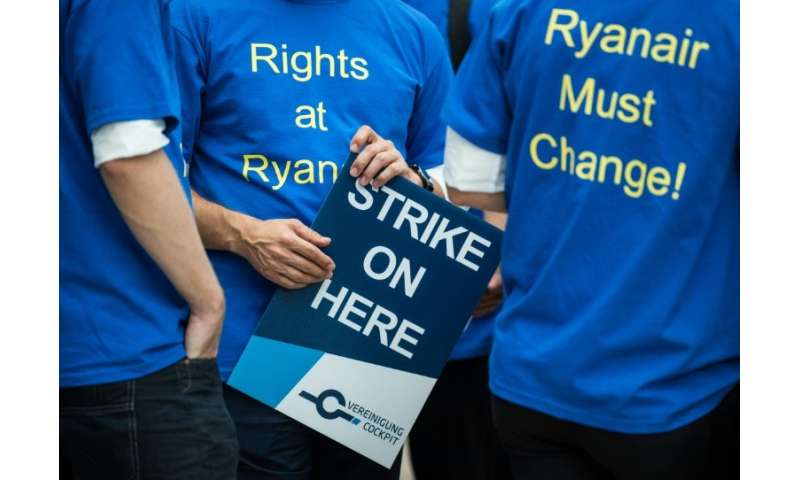 In July, strikes by Ryanair cockpit and cabin crew disrupted 600 flights in Belgium, Ireland, Italy, Portugal and Spain, affecti