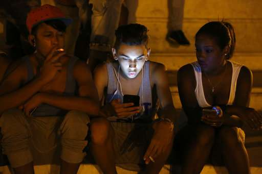 Internet access via mobile phones starts for all Cubans