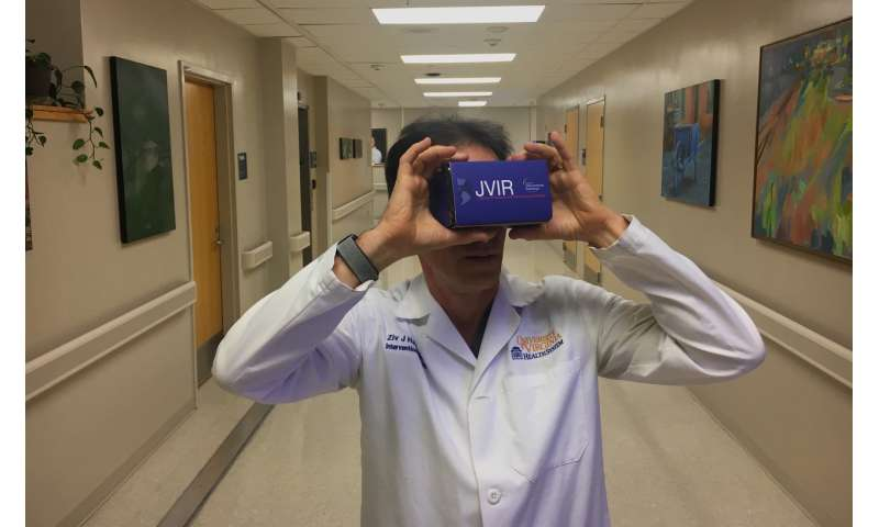 Into the OR in VR: Doctor harnesses virtual reality as powerful teaching tool