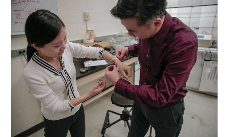 New wound dressing uses electrical pulses to promote healing