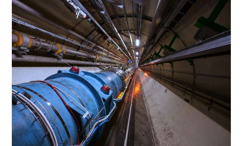 "LHC accelerates its first ""atoms"""