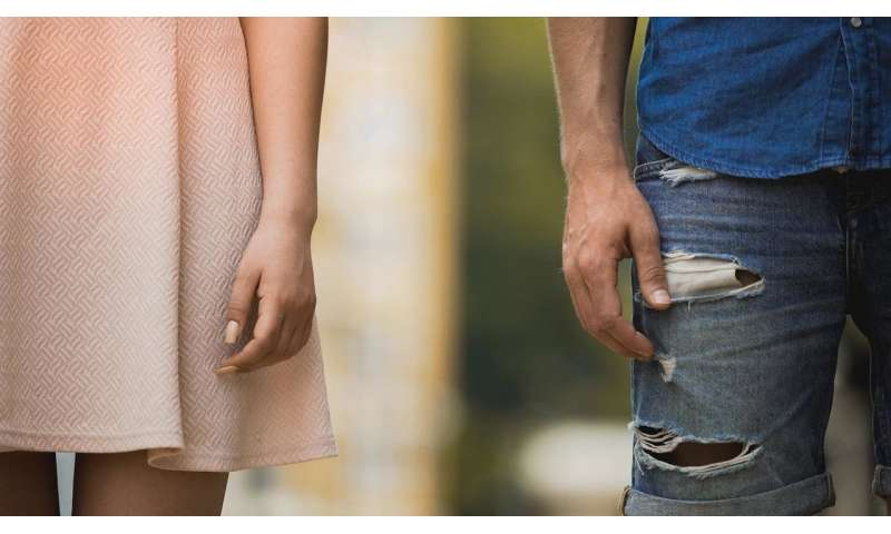 Lonely people stand farther from loved ones, study finds