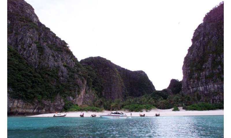 """Maya Bay in January 1999 the day before the start of shooting for the film """"The Beach"""" featuring Hollywoood star Leona"""