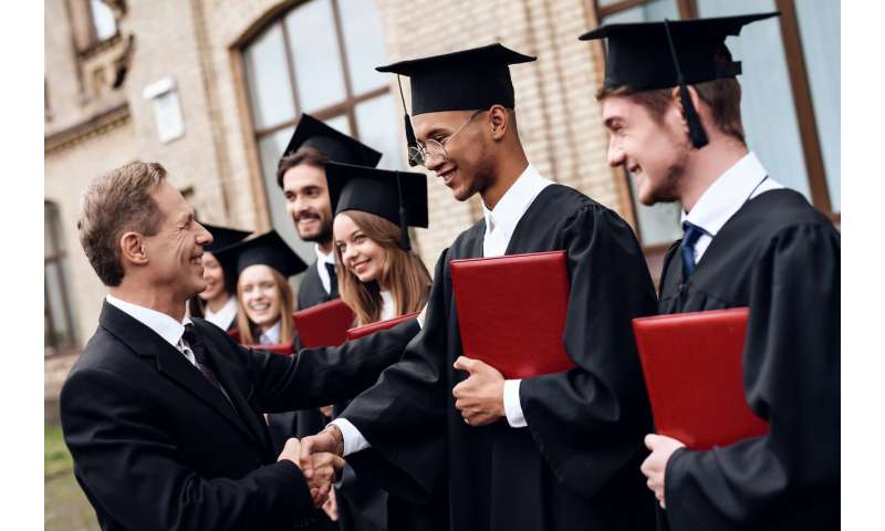 Mentors play critical role in quality of college experience, new poll suggests