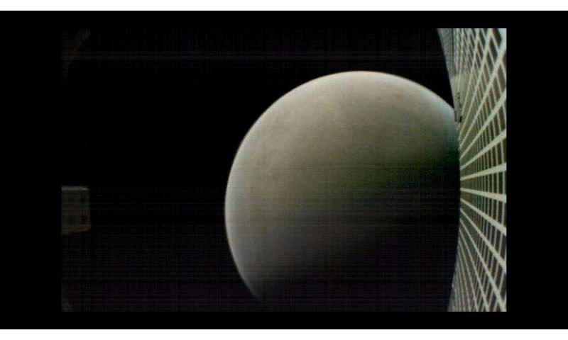 NASA Hears MarCO CubeSats Loud and Clear from Mars