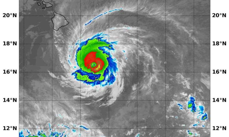NASA sees major Hurricane Hector moving south of Hawaii
