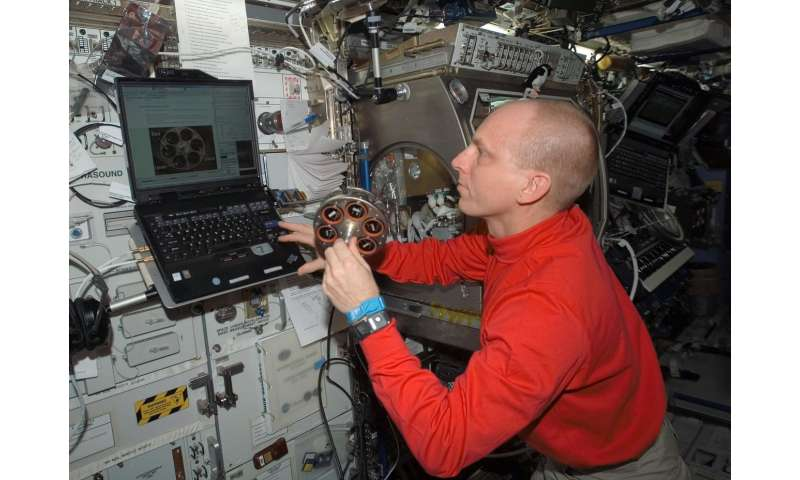 NIST/NASA study shows one detector doesn't 'fit all' for smoke in spacecraft