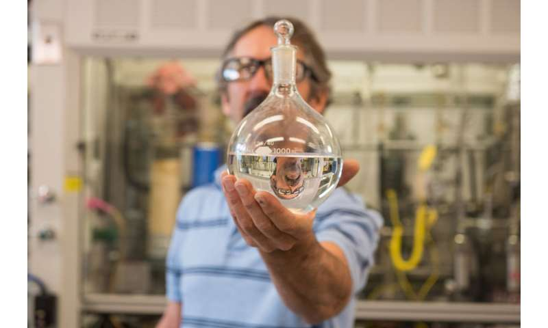 PNNL technology clears way for ethanol-derived jet fuel