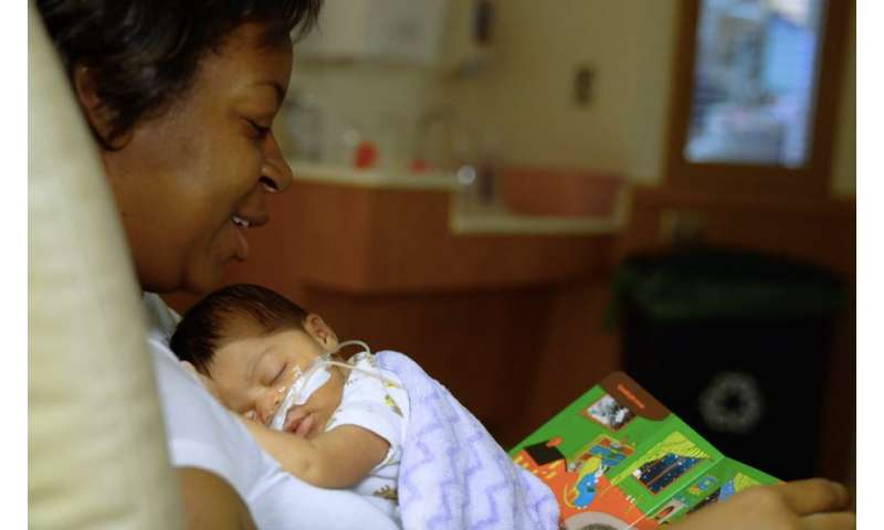 Reading and singing to preemies helps parents feel comfortable with their fragile babies