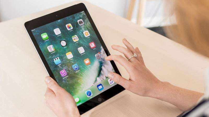 Review: Apple's New iPad is the best tablet for almost everybody