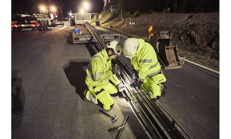 Sweden's new road powers electric vehicles – what's the environmental impact?