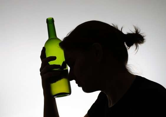 Teen regular drinkers more likely to battle alcohol as adults