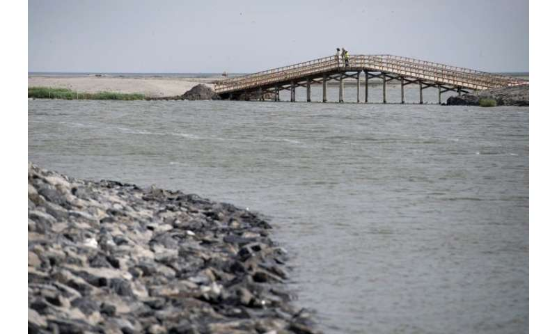 The main island has 12  kilometres of footbridges and unpaved roads