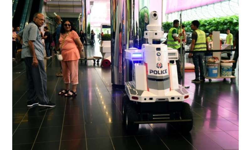 The so far unnamed robot at the Asean conference provides additional security at the meeting of world leaders