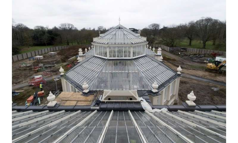 The Temperate House, is the largest surviving Victorian glasshouse in the world