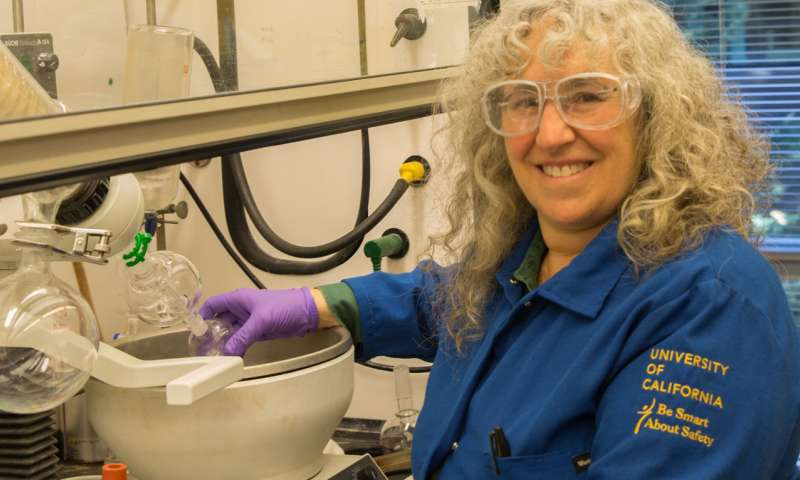 UCSC chemists develop safe alternatives to phthalates used in plastics