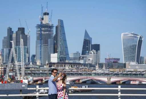 UK forecaster issues 1st ever thunderstorm alert