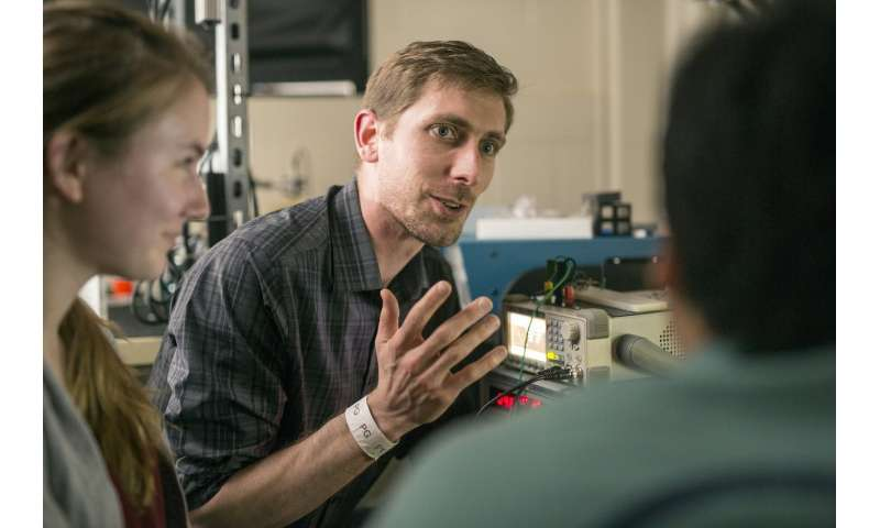 Ultrasound helmet would make live images, brain-machine interface possible