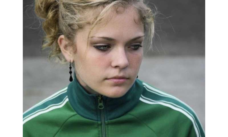 Unhealthy food behaviors may signal eating disorder in teen